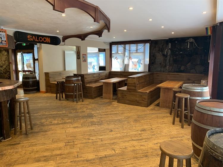 bar restaurant ski resort - 4